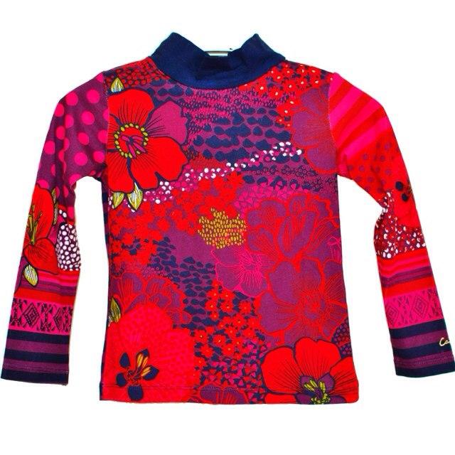 Фото 1: Детская футболка Catimini- принт яркие цветы