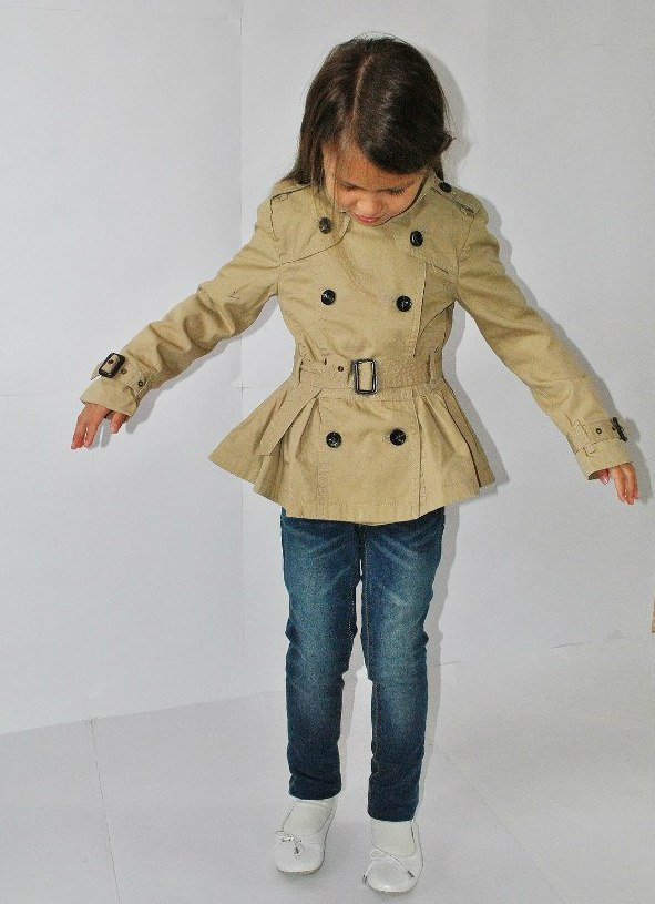 Фото 8: Модный плащ ikks для девочек