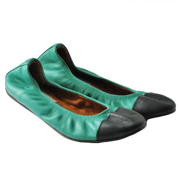 Балетки - идеально подойдут как для девочек, так и женщам. Текстурированная кожа, двухцветный узор, эластичные вставки. Скругленный носок. Фотография: 1