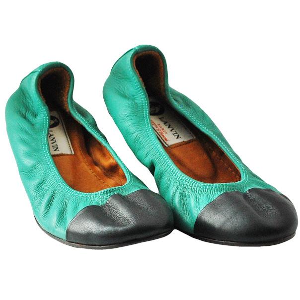 Балетки - идеально подойдут как для девочек, так и женщам. Текстурированная кожа, двухцветный узор, эластичные вставки. Скругленный носок. Фотография: 2
