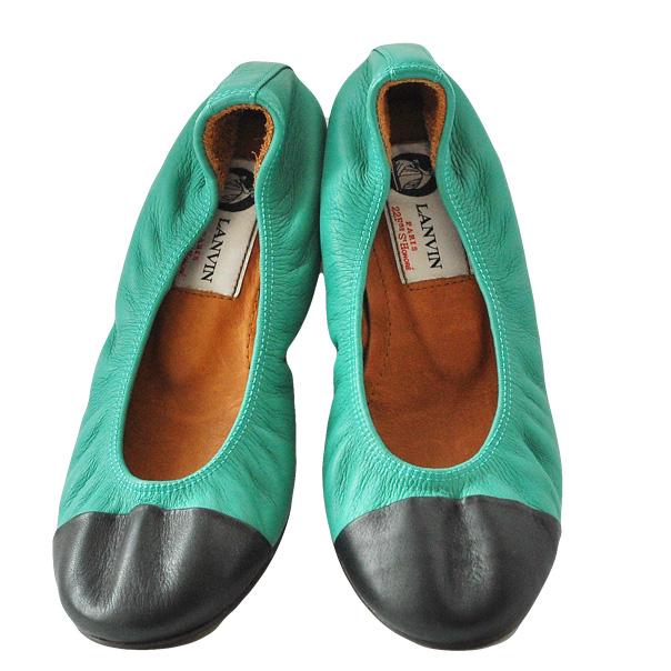 Балетки - идеально подойдут как для девочек, так и женщам. Текстурированная кожа, двухцветный узор, эластичные вставки. Скругленный носок. Фотография: 3