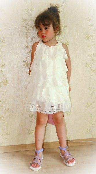 Фото 5: Белое праздничное платье для девочек