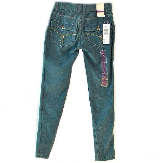 Фото 7: Классические джинсы Calvin Klein для девочек на лето