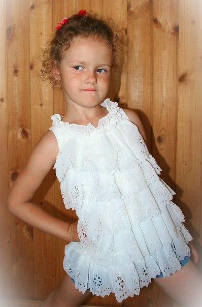 Фото 8: Белое праздничное платье для девочек