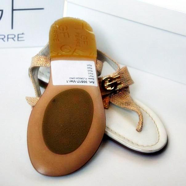 Фото 2: Кожаные босоножки GF Ferre