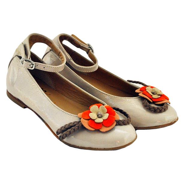 Фото 1: Туфли для девочек Tiffani украшены цветком
