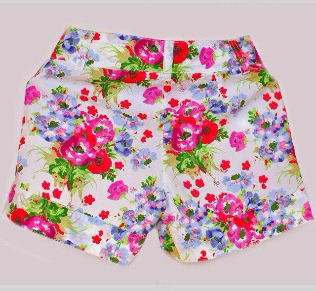 Фото 2: яркие шорты Kenzo для девочек