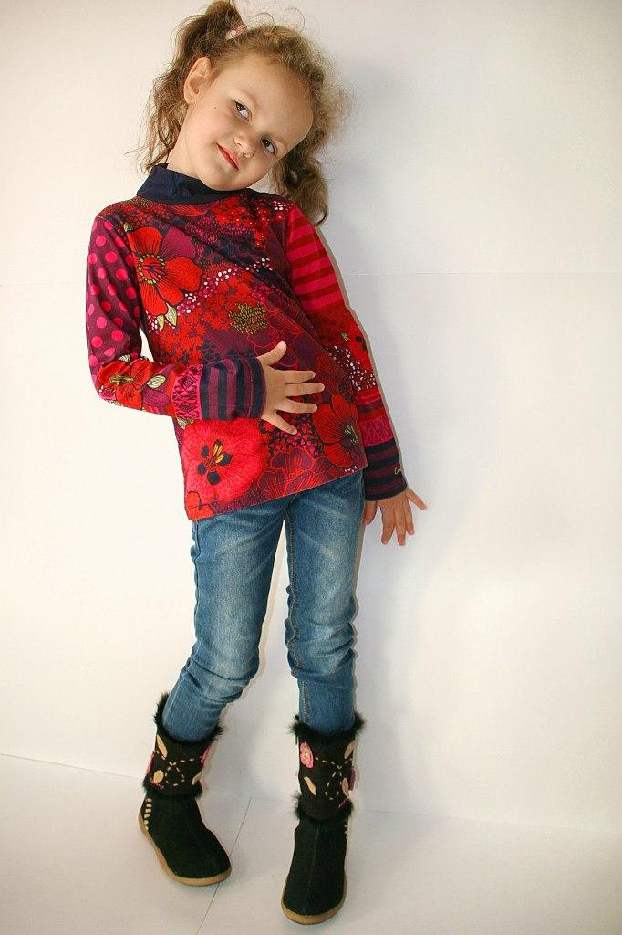 Фото 4: Детская футболка Catimini- принт яркие цветы