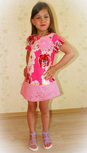 Фото 3: Платье для девочек DKNY в яркий цветочек