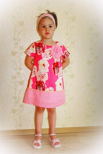 Фото 1: Платье для девочек DKNY в яркий цветочек