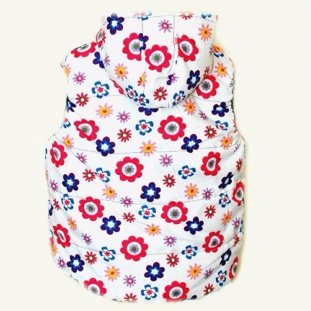 Фото 2: Белая жилетка Zara в цветочек для девочек