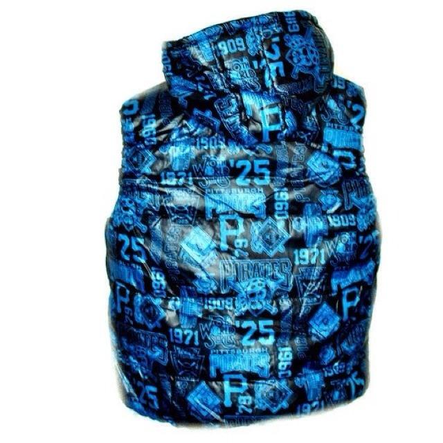 Фото 3: Синяя жилетка ZARA для мальчиков
