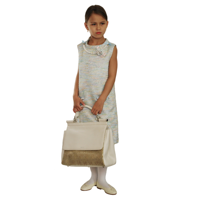 Современная интерпретация классическая сумка. Применена уникальная технология ажурной вышивки по коже. Ультрамодная модель 2015г. Фото 8