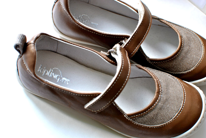 Фото 5: Туфли для деовчек Kipling