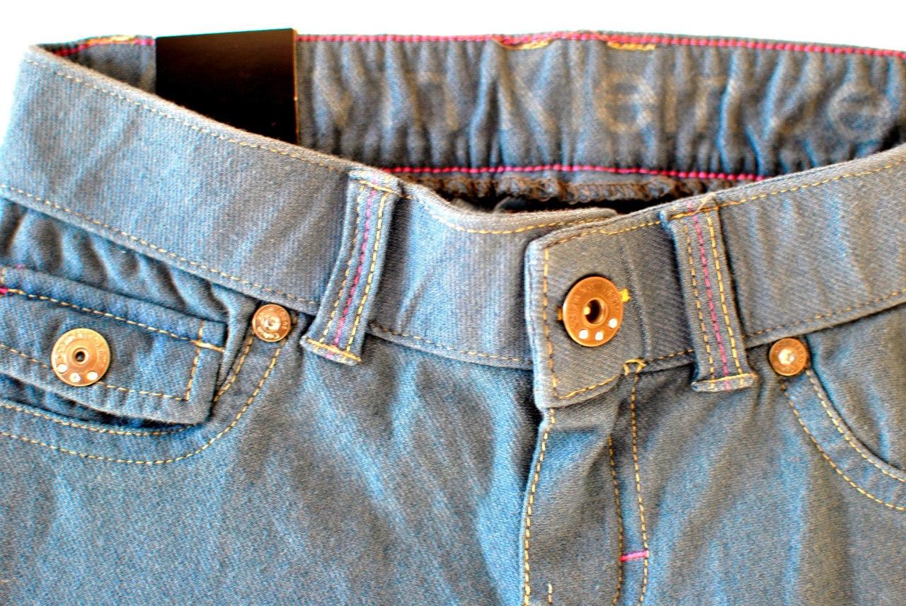 Фото 1: Классические джинсы Calvin Klein для девочек на лето