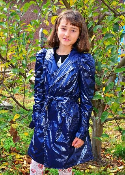 Фото 2: Синий плащ TO BE TOO для девочек