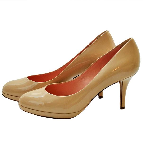Туфли лакированной кожи однотонного цвета без аппликаций, каблук обтянут кожей. Картинка: 3