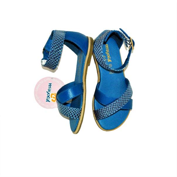 Фото 2: Синие босоножки для девочек Mayoral