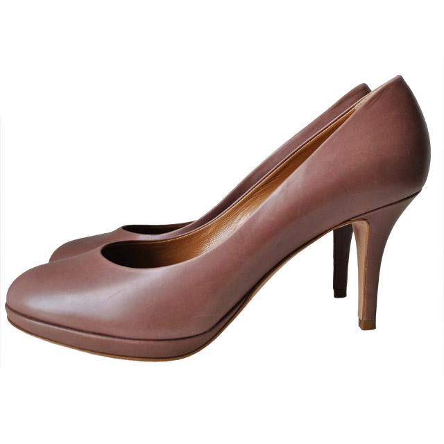 Внутренняя отделка и стелька туфлей из мягкой кожи; каблук и платформа обтянуты кожей; гладкая подошва из прессованной кожи. Картинка: 1