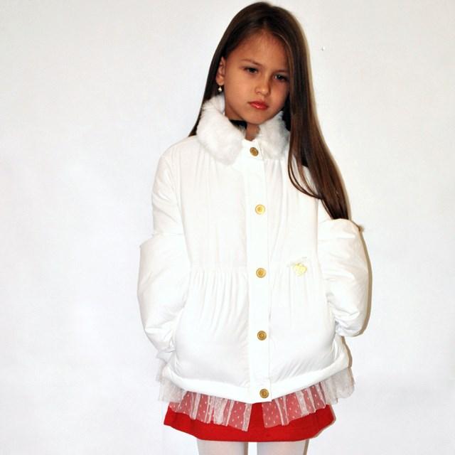 Фото 5: Белый пуховик Blumarine Baby для девочек