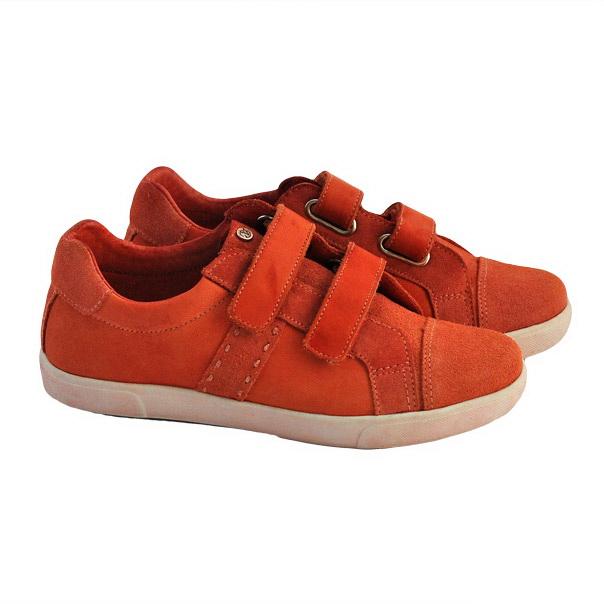 Фото 1: Красные кроссовки Naturino для детей