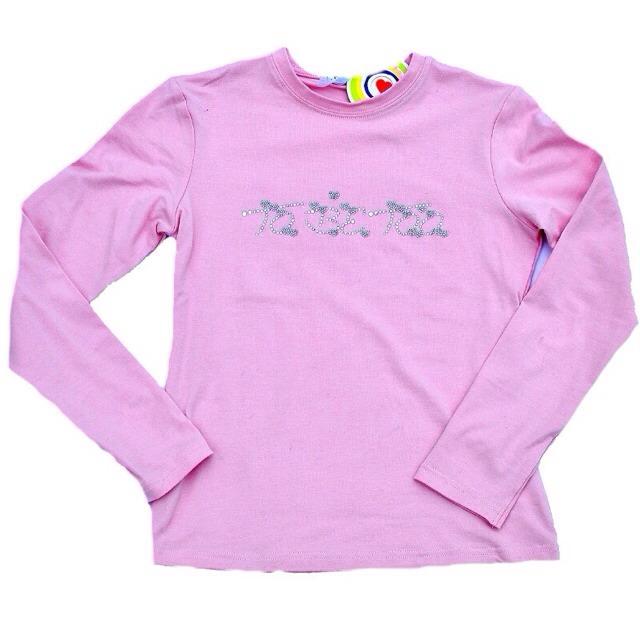 Фото 1: Розовая футболка украшена стразами