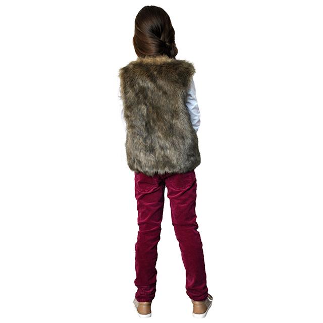 Меховая жилетка ETHIK SISTers для девочек. Фото: 8
