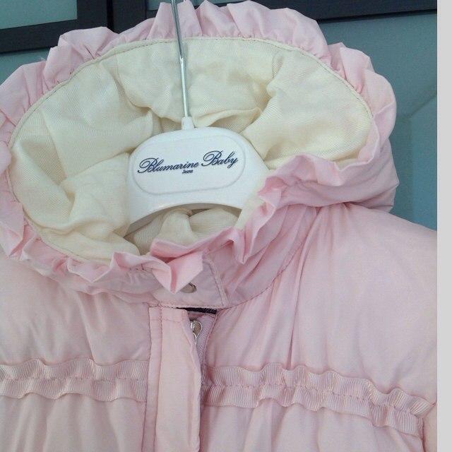 Фото 6: Розовый комбинезон пуховой Blumarine Baby для малышей