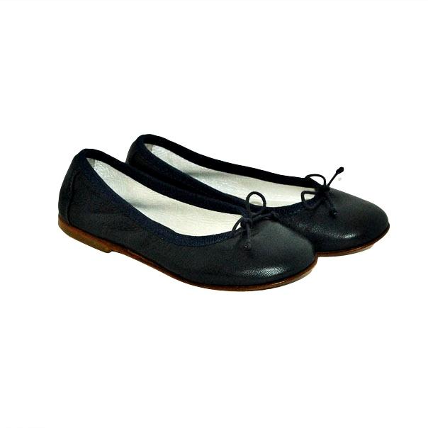 Фото 4: Черные туфли Andrea Montelpare для девочек