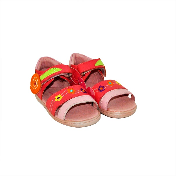 Фото 3: Модные босоножки Agatha Ruiz для малышей