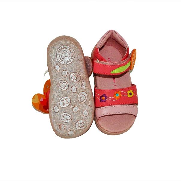 Фото 5: Модные босоножки Agatha Ruiz для малышей