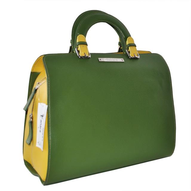 Сумка выполнена из красивой текстурной кожи в комбинации двух цветов. Современная интерпретация классической женской сумки. Фото 1