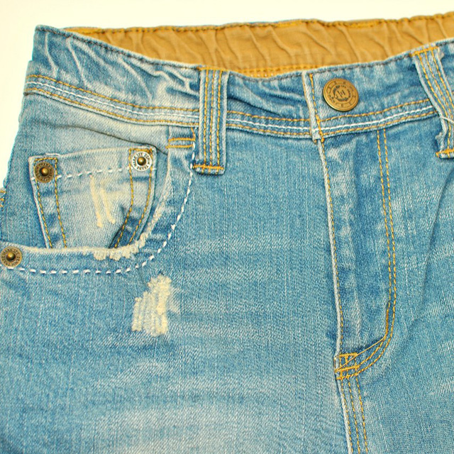 Фото 3: светлые джинсы высокой посадки для девочек