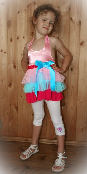 Фото 6: нарядная туника Guess для девочек
