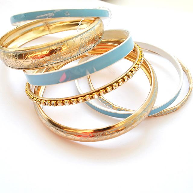 Фото 4: Набор браслетов можно носить по одиночно и набором.