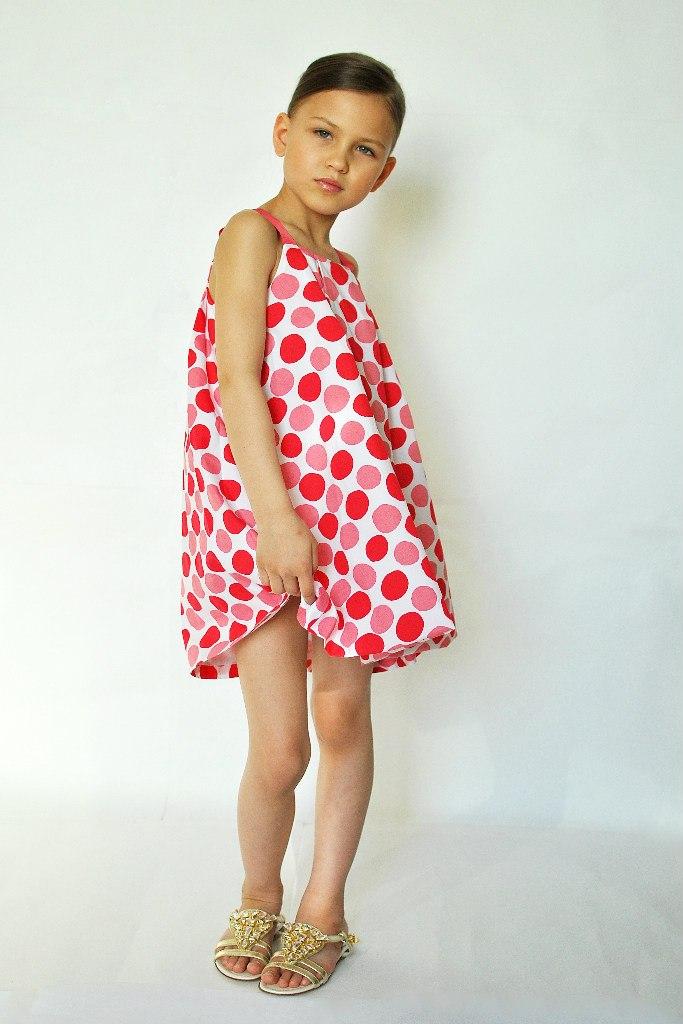 Фото 3: Красный в кружочек сарафан для девоче