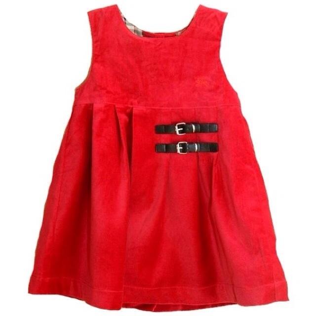 Фото 1: Красный велюровый сарафан для девочек
