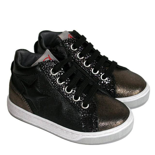 Ботинки Naturino в рокерском стиле. Фото: 1