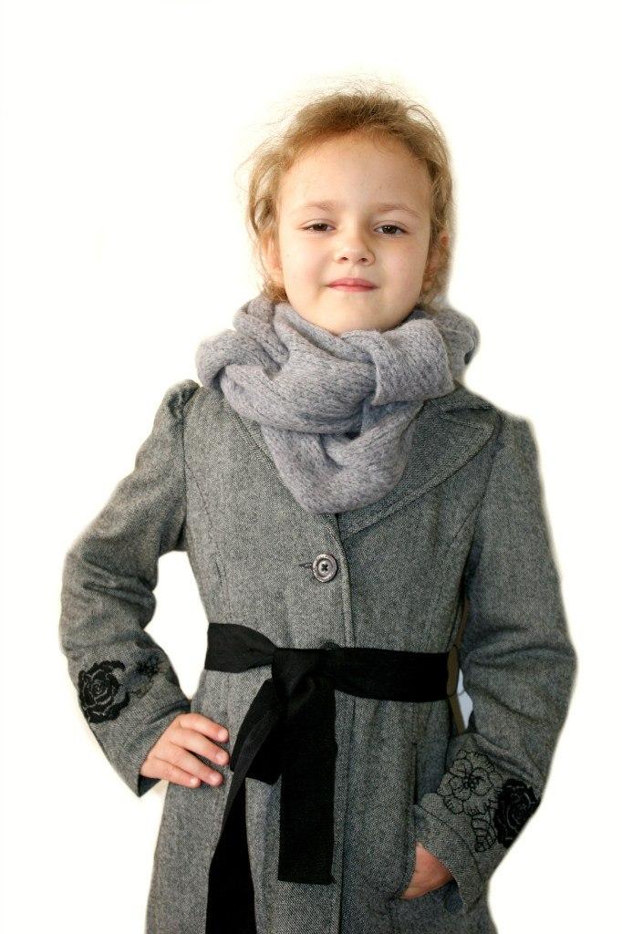 Фото 3: Модный серый шарф Gaialuna