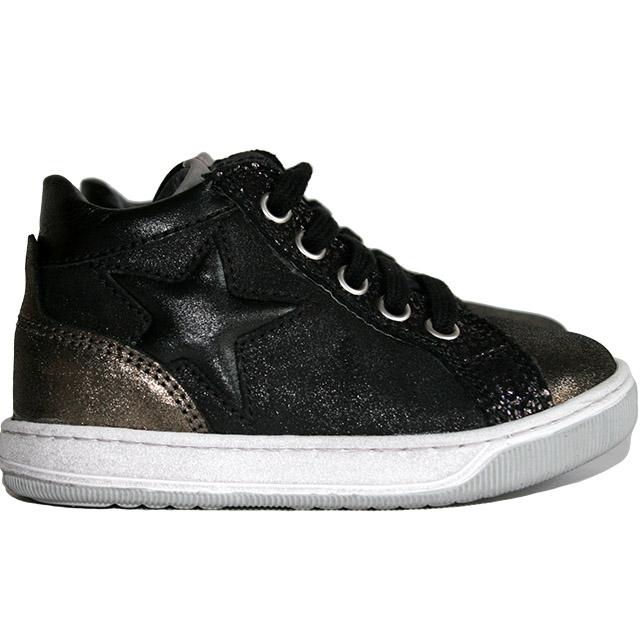 Ботинки Naturino в рокерском стиле. Фото: 2