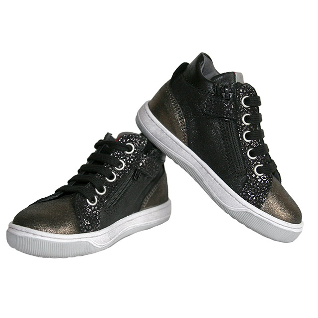 Ботинки Naturino в рокерском стиле. Фото: 6