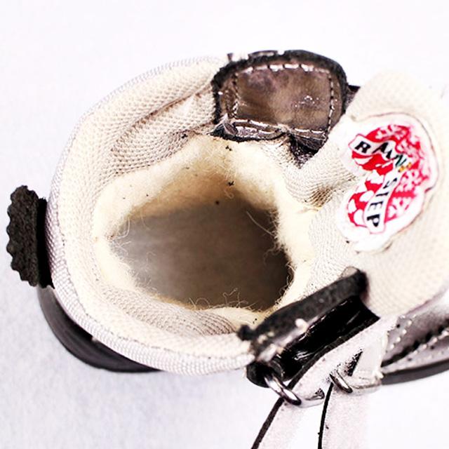 Серые сапожки внутри 100% овечья шерсть. Стелька антибактериальная с супинатором. Картинка: 4