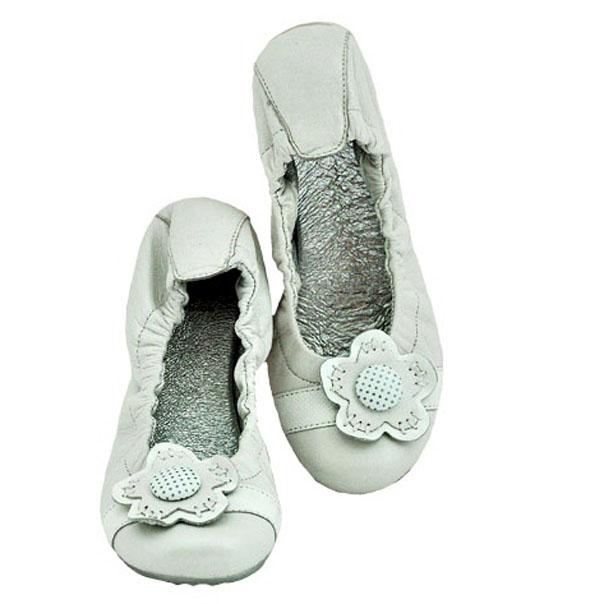 Кожаные туфли молочного цвета, идеально подойдут для лета. Производитель Италия. Картинка: 1