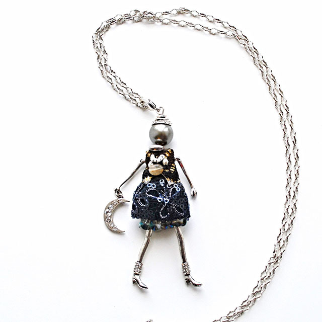 Фото 2: Стильный кулон куколка Bambolina из натуральных камней