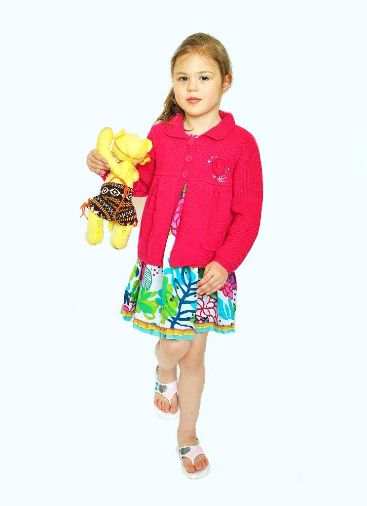 Фото 4: Яркий сарафан для девочек Catimini