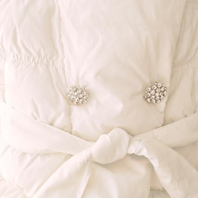 Фото 3: Белоснежная куртка-пуховик Blumarine Baby для девочек