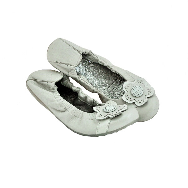 Кожаные туфли молочного цвета, идеально подойдут для лета. Производитель Италия. Картинка: 2