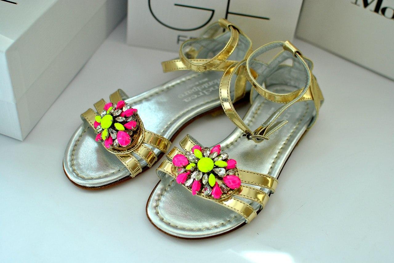 Фото 2: Модные сандалии Andrea Montelparo для девочек