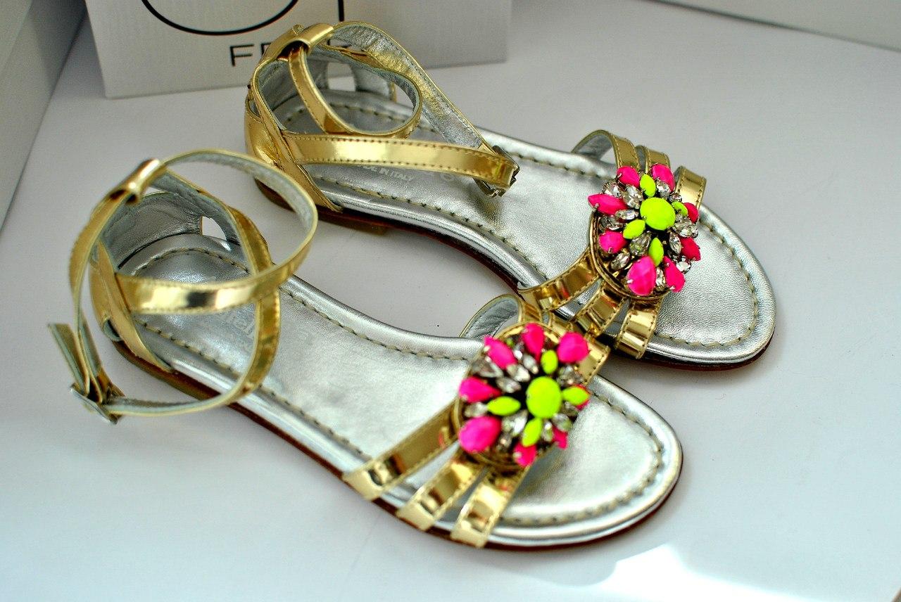 Фото 3: Модные сандалии Andrea Montelparo для девочек