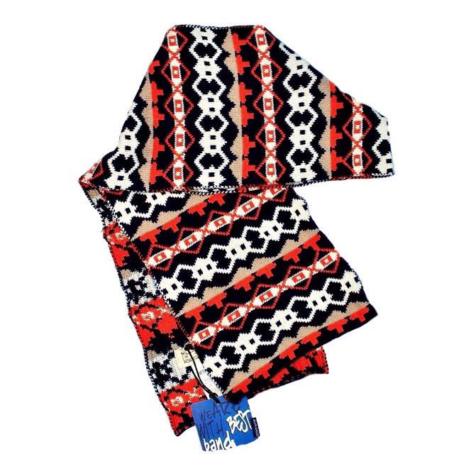 Фото 1: Детский шарф Best Band с ярким орнаментом